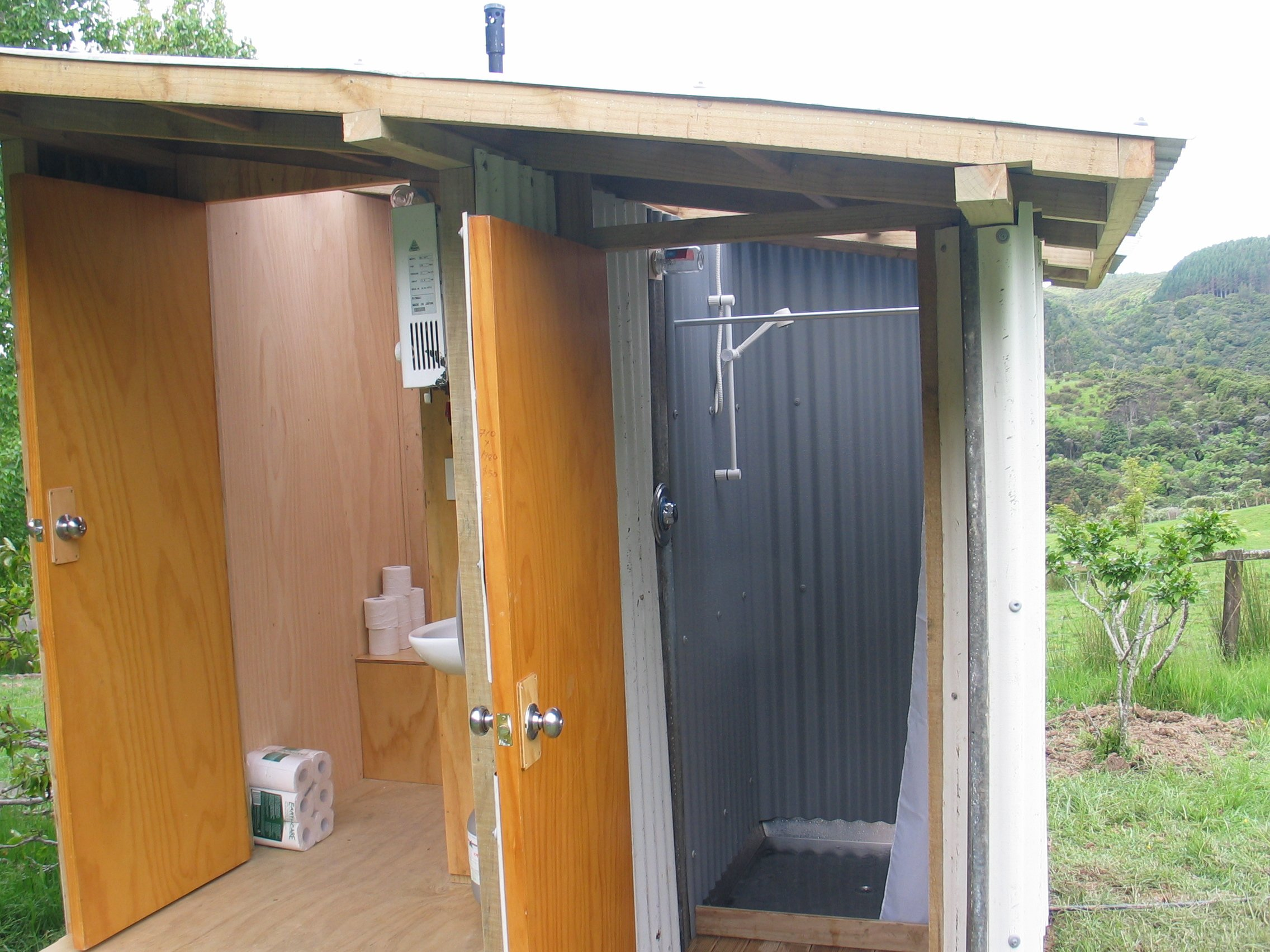 Build Your Own Composting Toilet : Image relieve